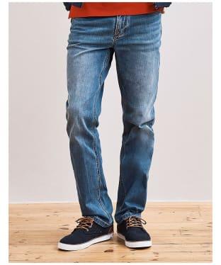 Men's Crew Clothing Parker Jeans - Mid Wash