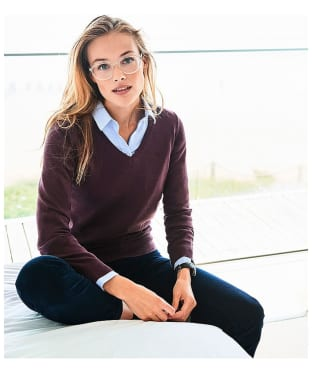 Women's Crew Clothing Foxy V-Neck Sweater - Damson