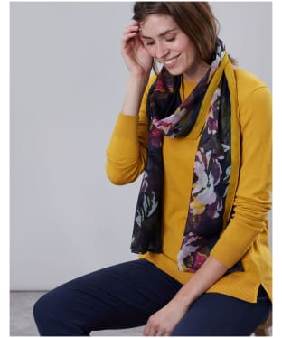 Women's Joules Wensley Printed Scarf - Navy Floral Border
