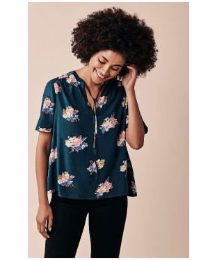 Women's Crew Clothing Phoebe Top - Green Floral
