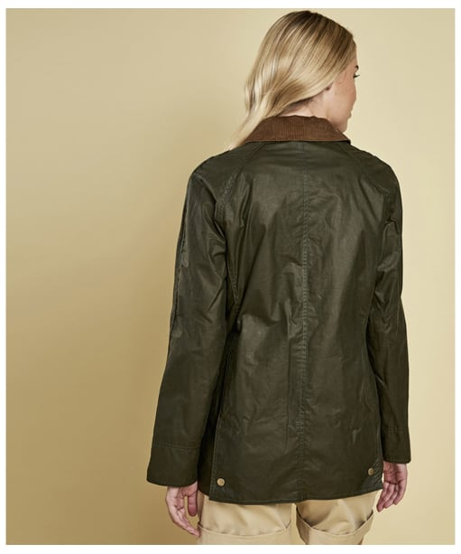 Women's Barbour Lightweight Beadnell Wax Jacket - Archive Olive