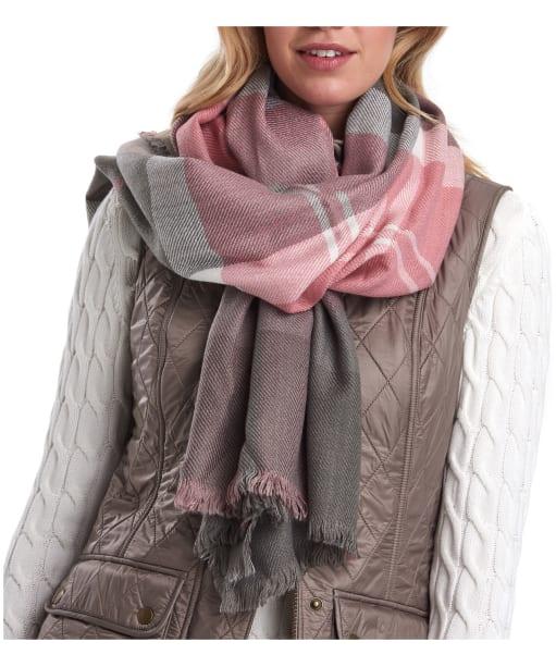 Women's Barbour Glenn Tartan Scarf - Blush Pink / Grey