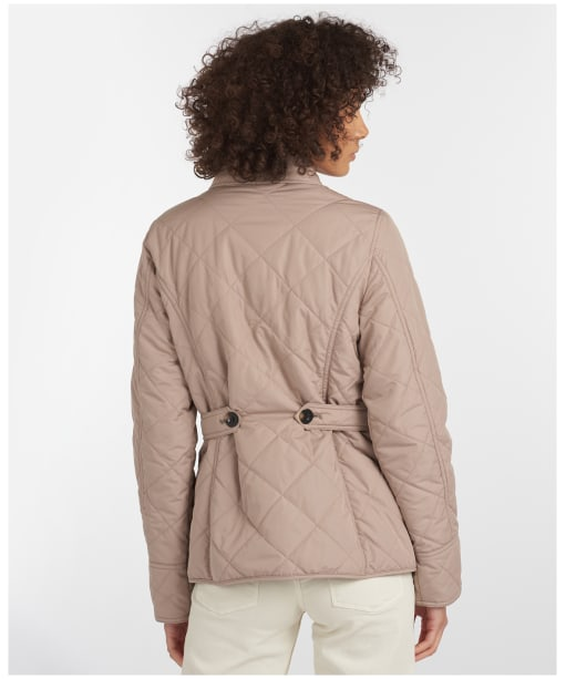 Nelson Quilt - Light Trench