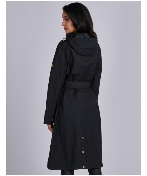 Women's Barbour International Qualify Waterproof Jacket - Black