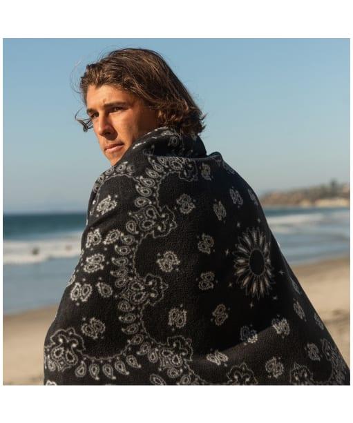 Slowtide Temple Beach Towel - Black / White