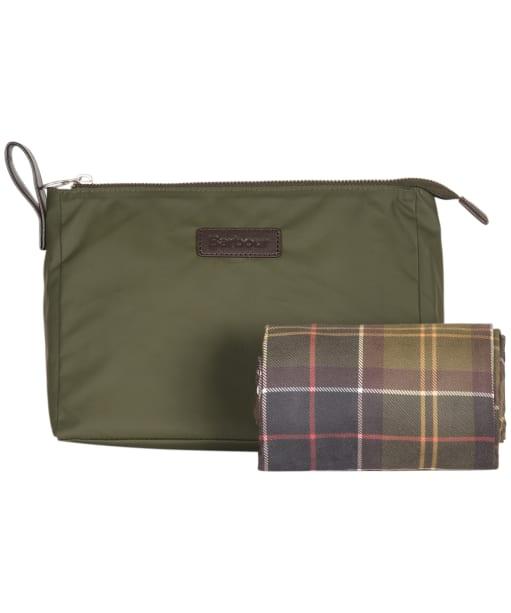 Barbour Washbag and Towel - Olive / Classic Tartan